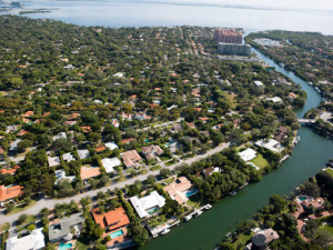 20120121_waterway-Gables-SM
