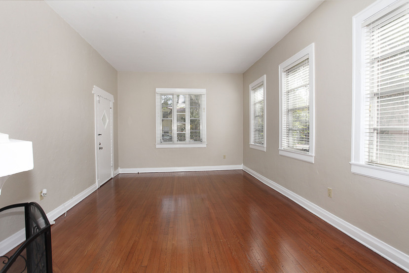 008-Living_Room-1673997-small