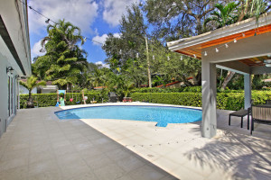 004-Pool-2142524-small