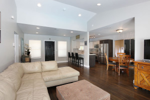 008-Living_Room-2142527-small