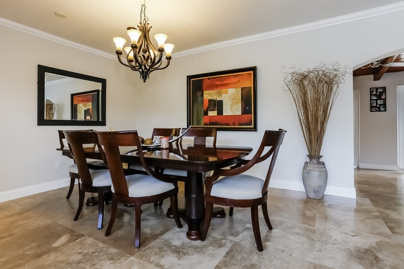 11805 SW 82nd livingroom 3