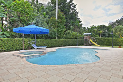 032-Pool-2190492-small