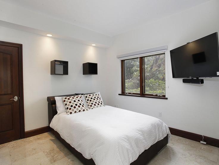 022-Bedroom-2543471-small4x3