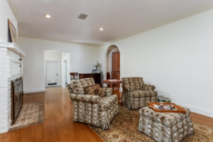 010-Living_Room-2979458-medium