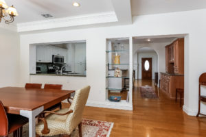 015-Dining_Room-2979451-medium
