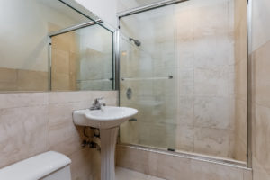035-Bathroom-2979440-medium