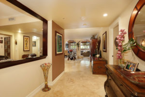 002-Foyer-3101562-small