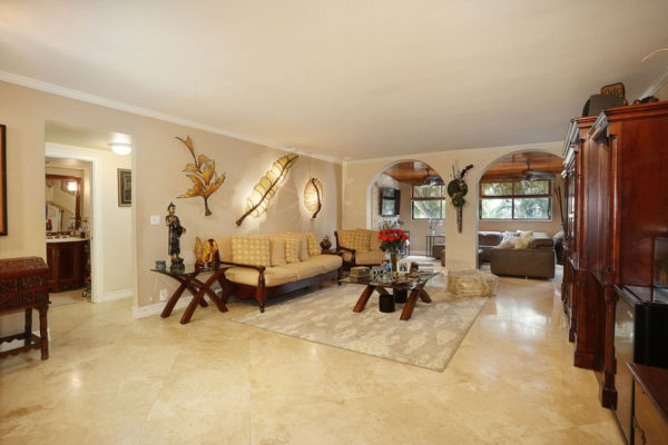 003-Living_Room-3101572-small