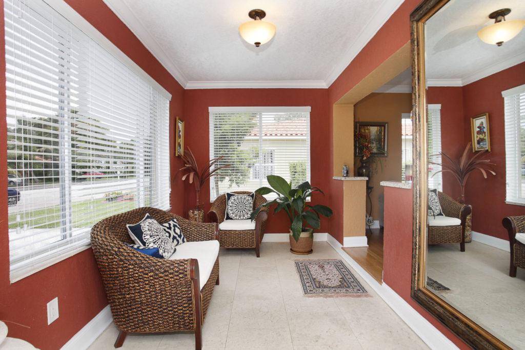 004-Sitting_Room-1792180-large