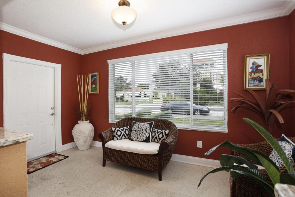 005-Sitting_Room-1792178-large
