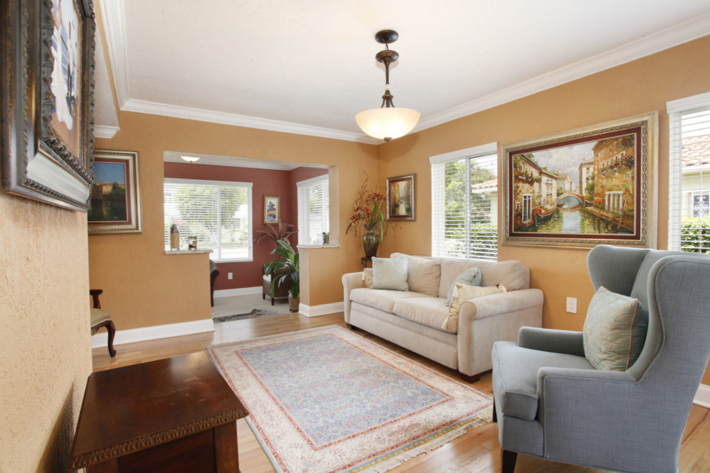 008-Living_Room-1792182-large