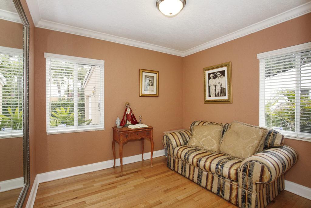 015-Bedroom-1792194-large