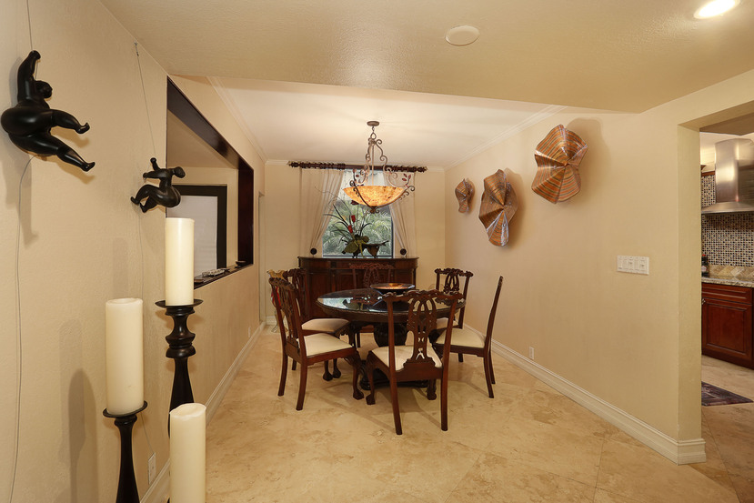 006-Dining_Room-3101554-small