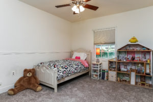 029-Bedroom-2979439-medium