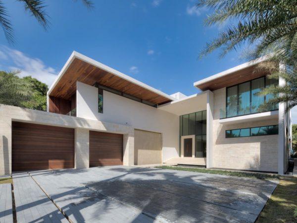 Real estate bulldog oscar arellano 39 s coral gables for Contemporary homes for sale in florida