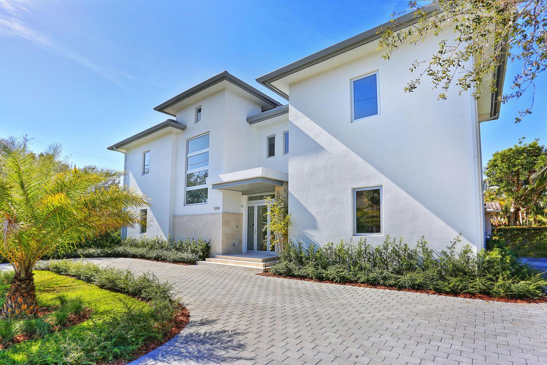 Real estate bulldog oscar arellano 39 s coral gables for Oscar home